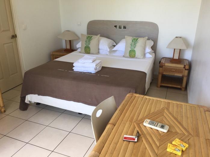 Quarto Standard com ar condicionado e banheiro próprio - Pensão FARE SUISSE Tahiti