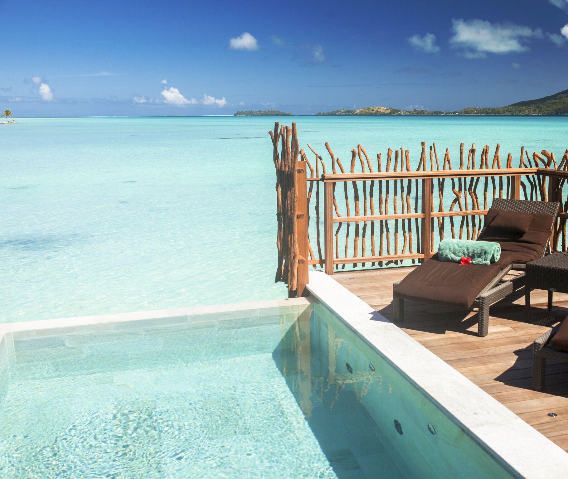 Thalasso Pool Premium Overwater Villa - Lua de Mel Bora Bora - Viagem Polinesia Francesa - Hotel 5 estrelas Bora Bora - Bangalô sobre as águas com Piscina Particular Bora Bora