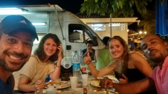 Roulottes Place Vaite Papeete Tahiti - Food Truck Tahiti - Polinésia Francesa