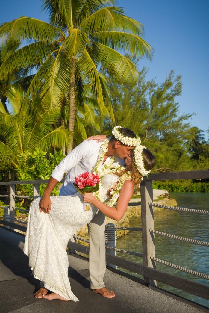 Lua de Mel Bora Bora - Cerimônia de Casamento Tradicional na Praia Intercontinental Bora Bora Thalasso - Romance Bora Bora